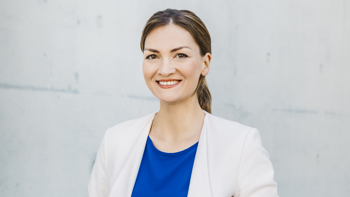 Judith Gerlach Staatsministerin für Digitales Schirmherrin der Wuerzburg Web Week 2021  Porträt